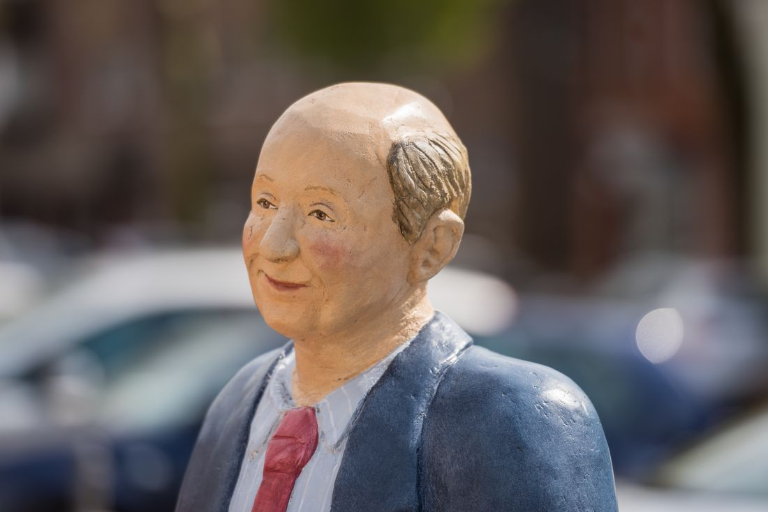Rees - Alltagsmenschen Skulpturen der Wittener Bildhauerin Christel Lechner